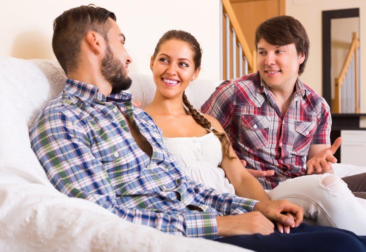 Polygamie, Polyamorie, Bigamie: Was ist der Unterschied zwischen den Beziehungsformen?