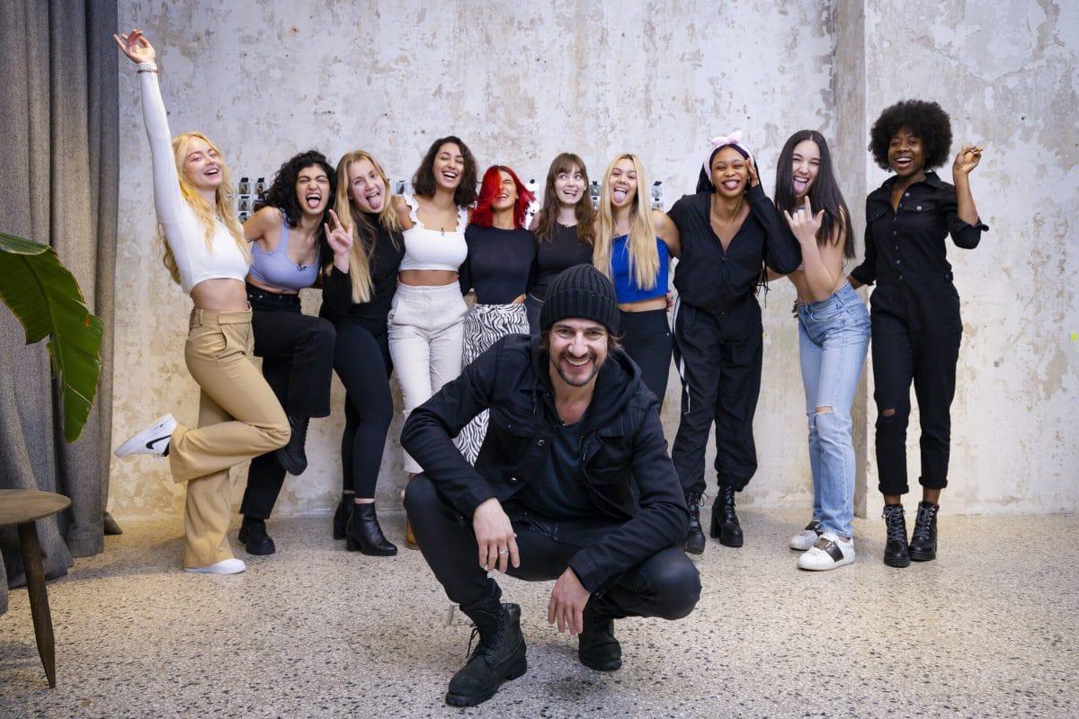 GNTM: Thomas Hayo unterstützt die Models beim Casting-Marathon