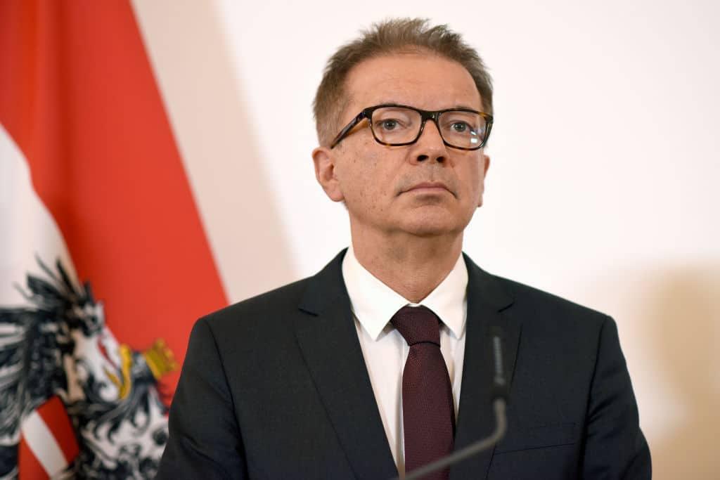 Gesundheitsminister Rudolf Anschober tritt Berichten zufolge zurück