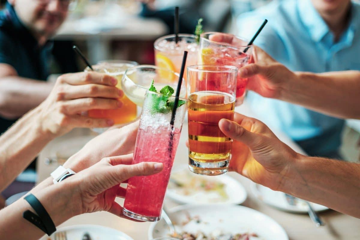Mit diesen 5 Drinks zauberst du den Frühling in dein Glas