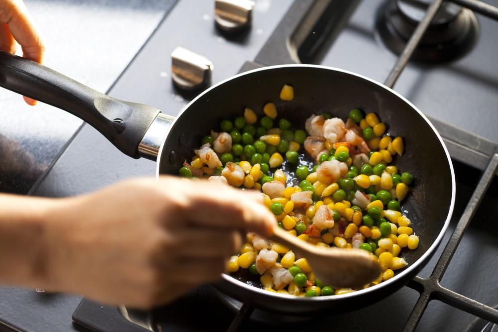 Zucchini-Mais mit Speck und Bärlauch