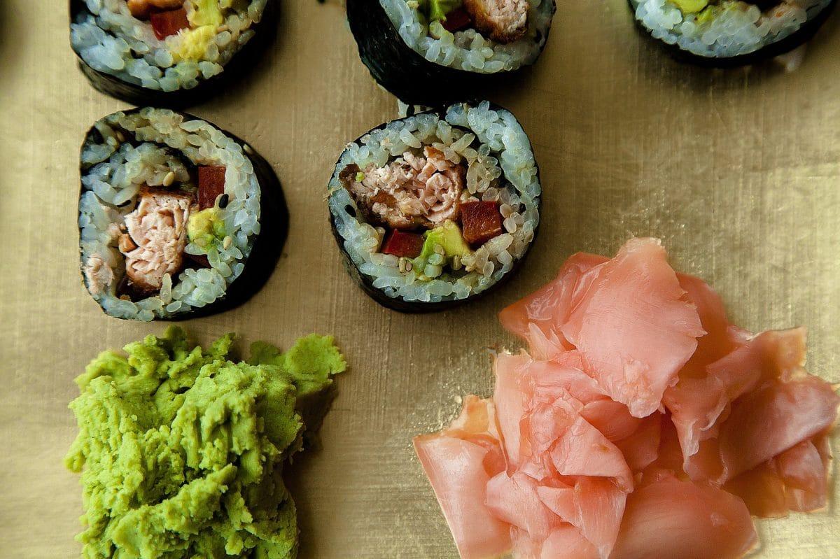 Maki mit Thunfisch, Avocado und Shiitake