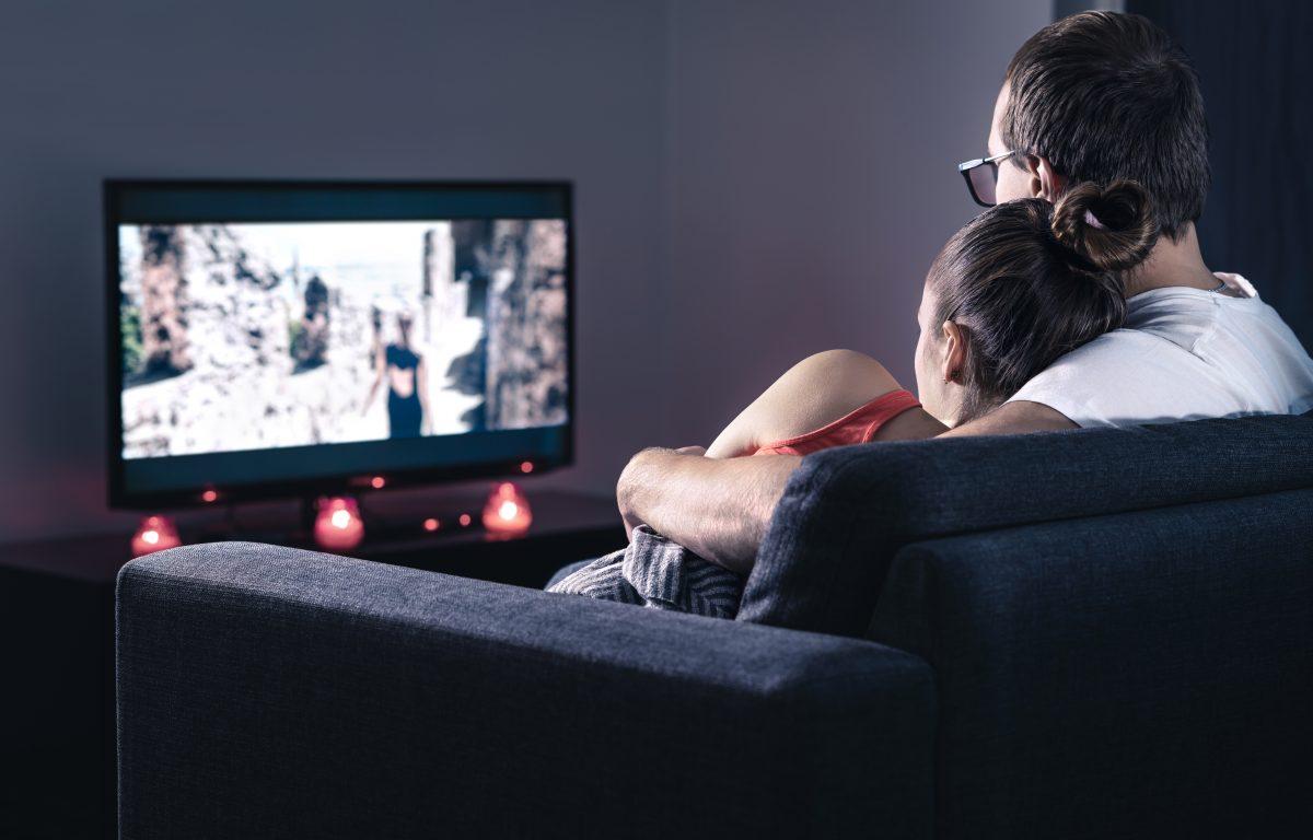 6 Netflix-Date-Night-Aktionen, die in einer Beziehung absolut nicht ok sind