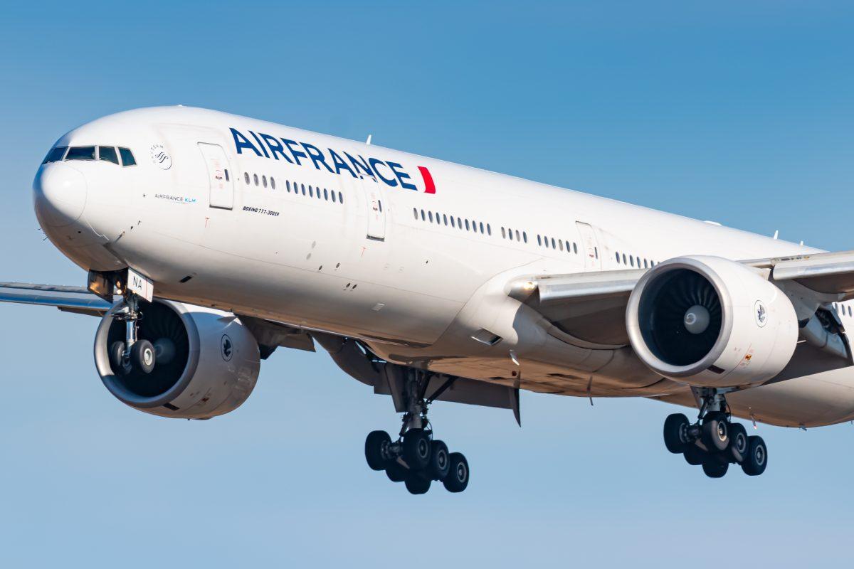 Air France Flugzeug fliegt mit Speiseöl im Tank nach Kanada