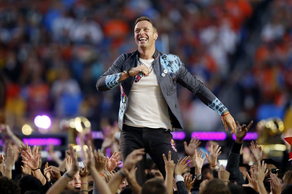 """Coldplay feiert Songpremiere von """"Higher Power"""" im Weltall"""