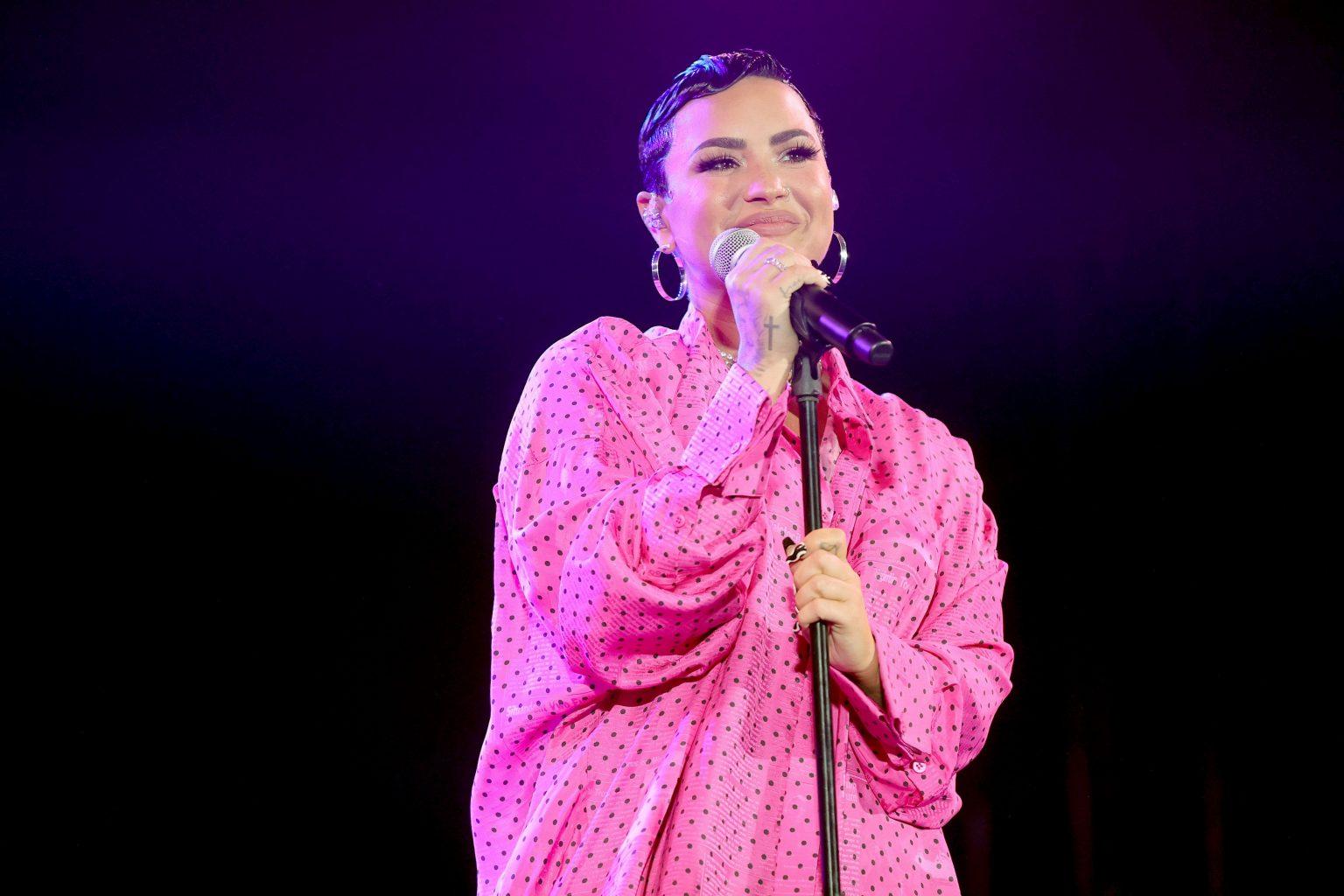 Demi Lovato outet sich auf Twitter als non-binär