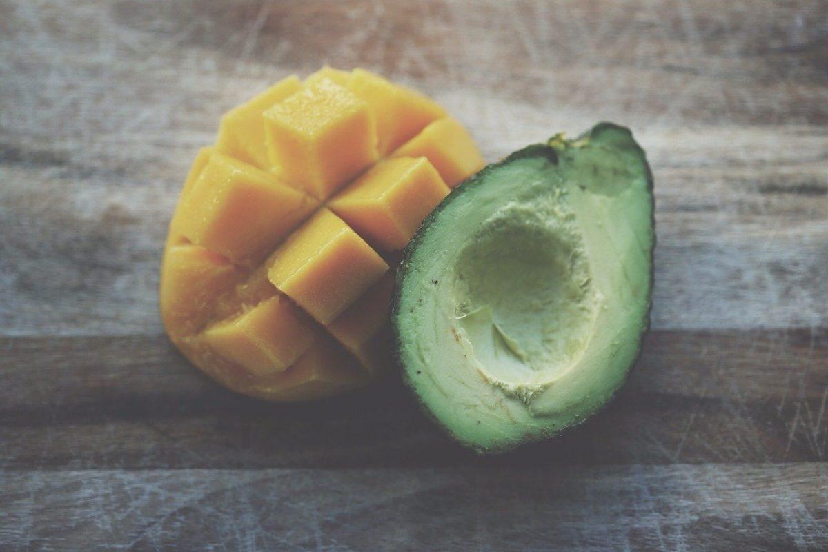 Mango-Avocado-Salat mit Balsamicodressing