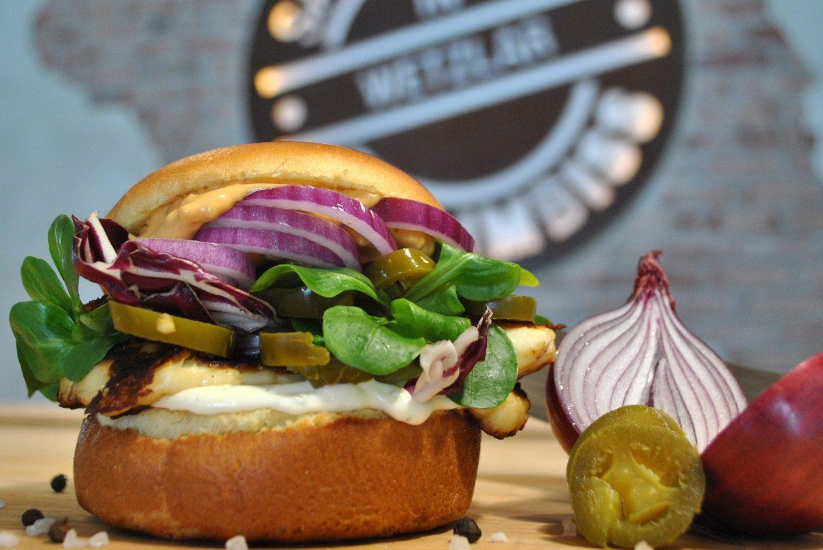 Ziegenkäse-Dattel-Burger