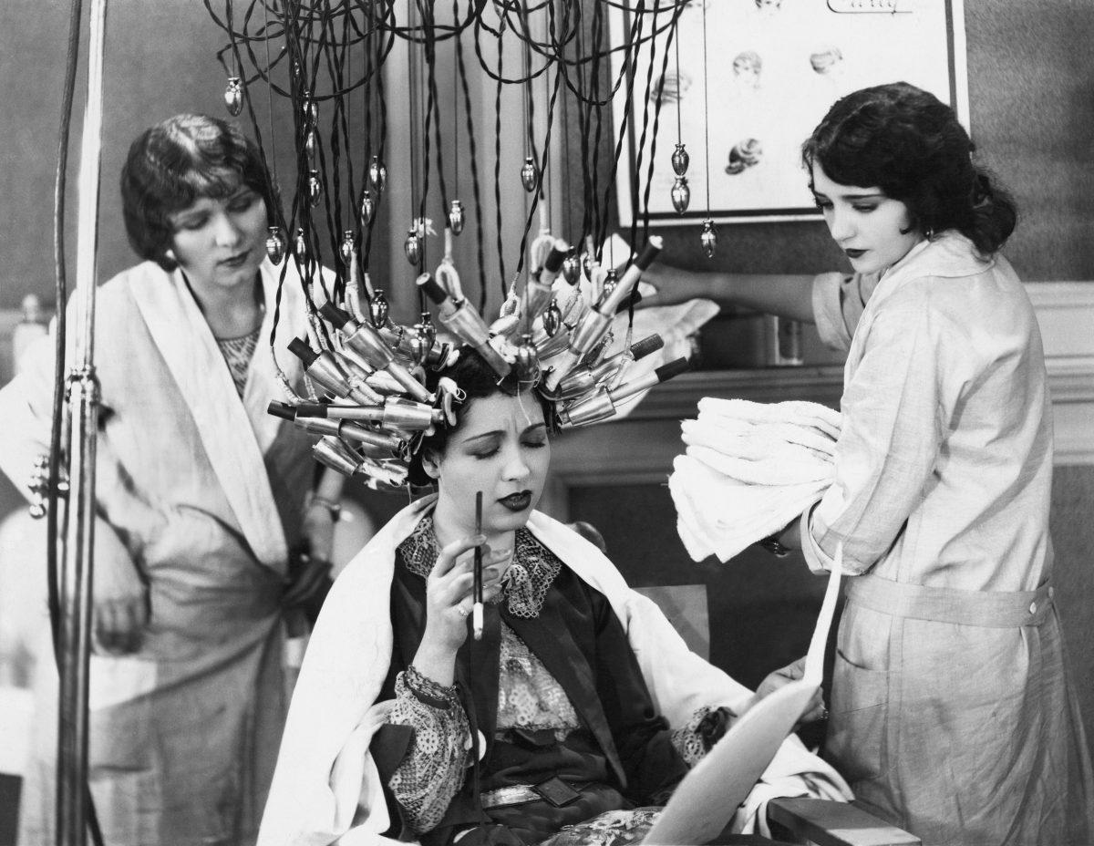 15 eklige Beauty und Hygiene Rituale unserer Vorfahren