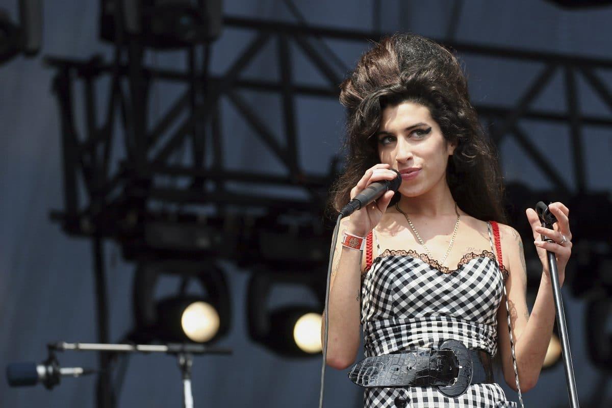 Amy Winehouse: 10 Jahre nach ihrem Tod spricht ihr BFF Tyler James darüber