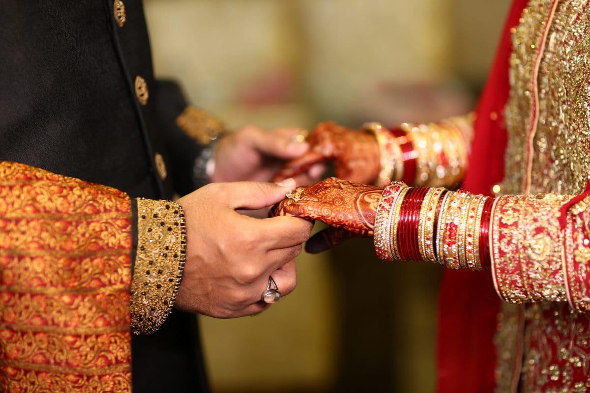 Braut stirbt bei Hochzeit: Bräutigam heiratet am selben Tag ihre Schwester