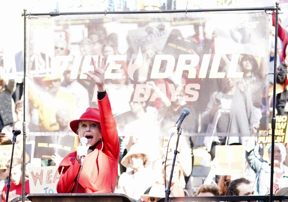 Jane Fonda protestiert gegen den Bau einer Ölpipeline in Minnesota