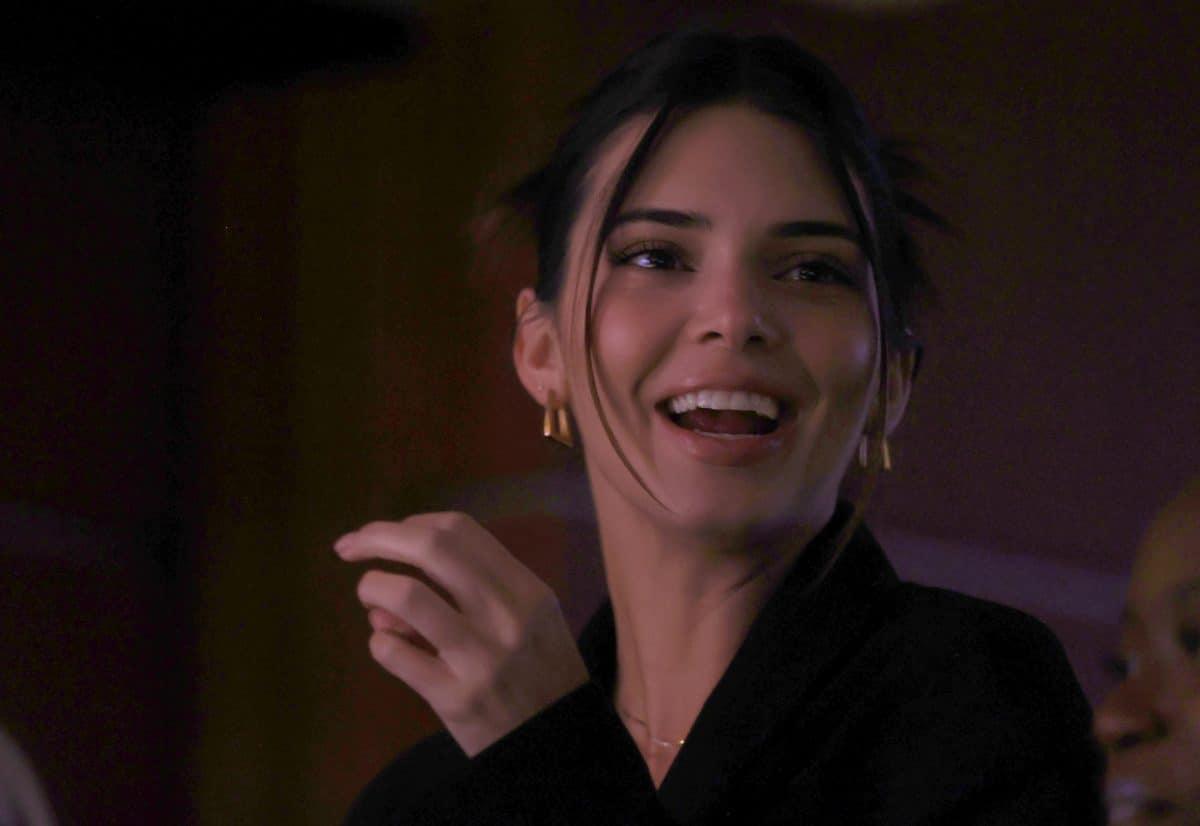 Kendall Jenner spricht zum ersten Mal über ihre Beziehung mit Devin Booker