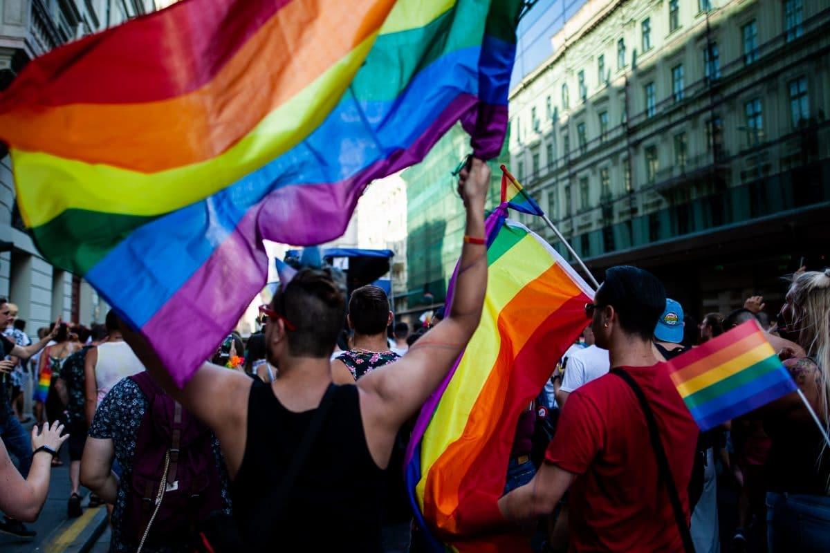 Ungarn verabschiedet umstrittenes LGBTIQ-Gesetz und verbietet Darstellung von Homosexualität