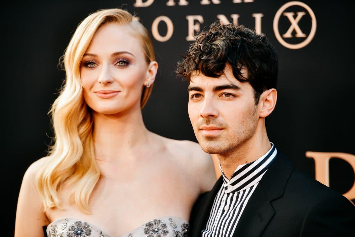 Sophie Turner & Joe Jonas teilen noch nie gesehene Hochzeitsbilder auf Instagram