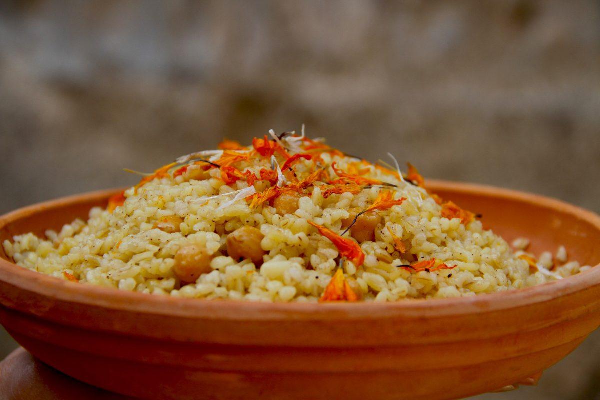 Bulgur-Quinoa mit Tomaten Rezept