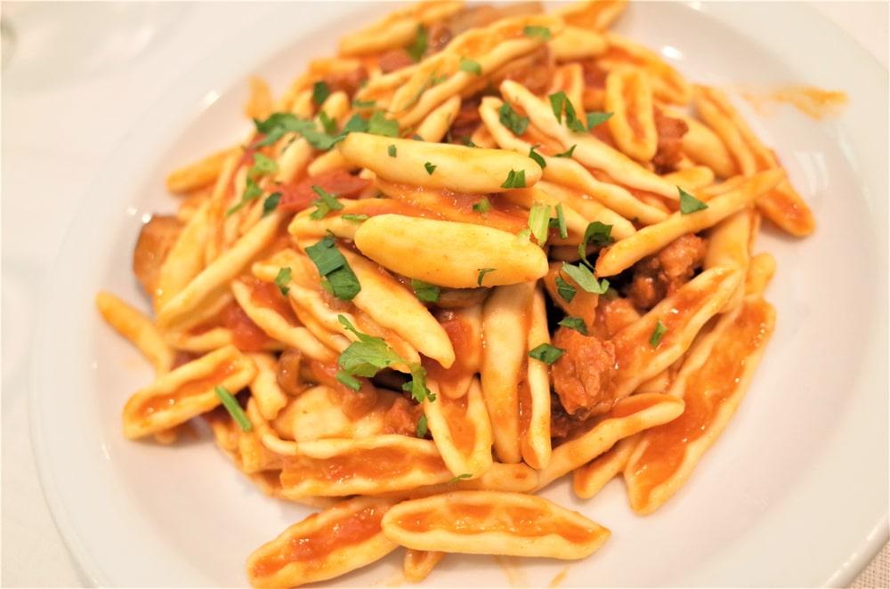 Cavatelli mit Pancetta und Rucola