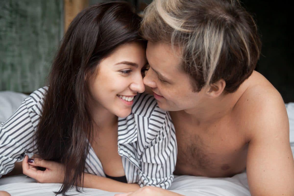 Bindungstheorie: Welche Beziehungstypen es gibt & welche Beziehungstypen-Konstellationen funktionieren