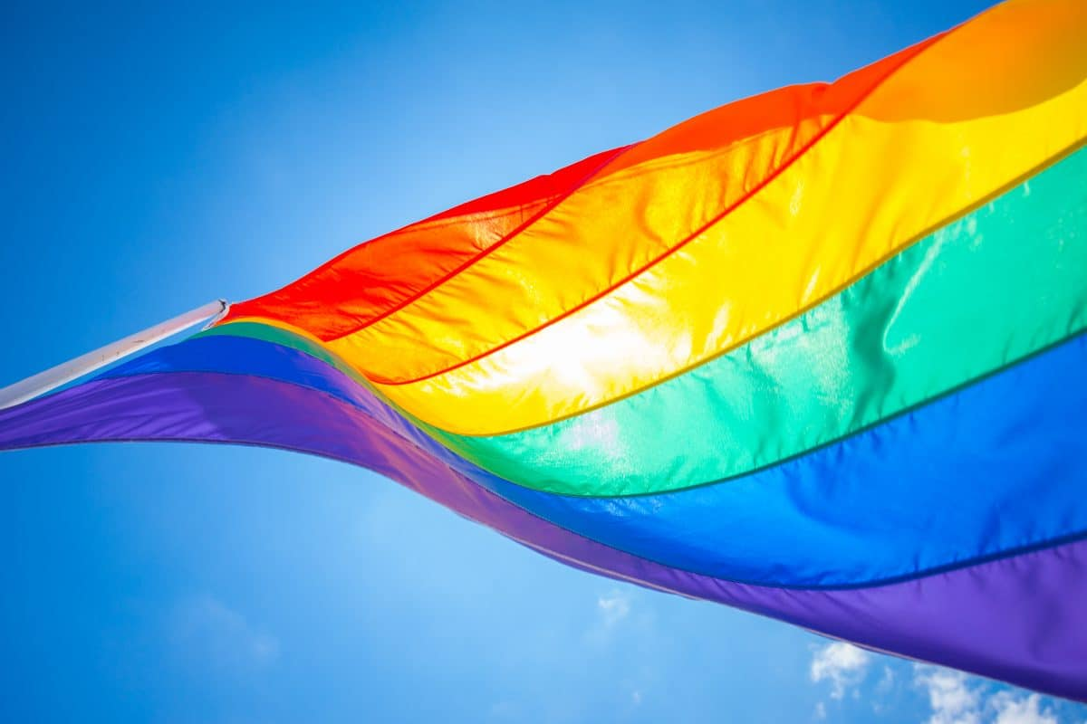 EU leitet Verfahren gegen Anti-LGBTQIA-Gesetze in Ungarn und Polen ein