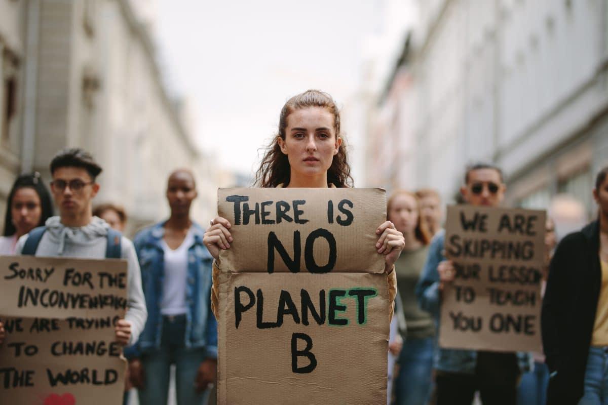 """Weltweiter """"Klimanotfall"""": Tausende Wissenschaftler schlagen Alarm"""