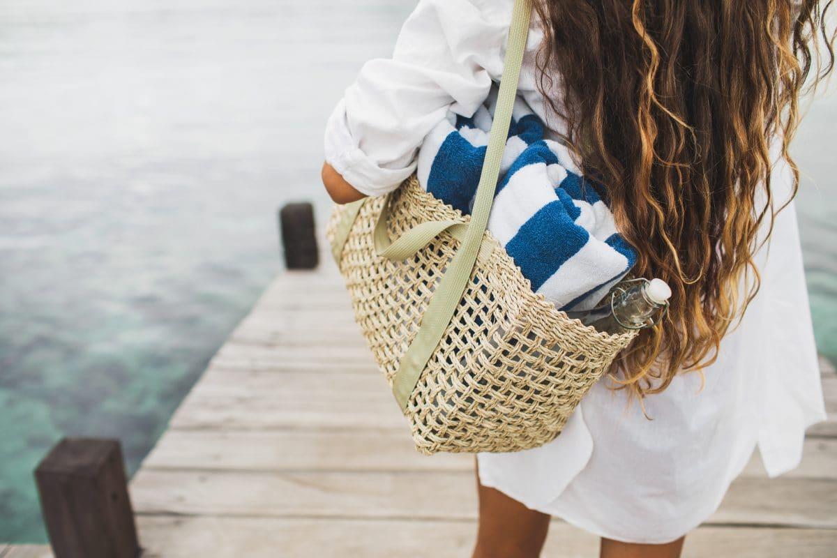 In diesen trendigen Strandtaschen hat alles Platz, was ihr für einen Beachday braucht