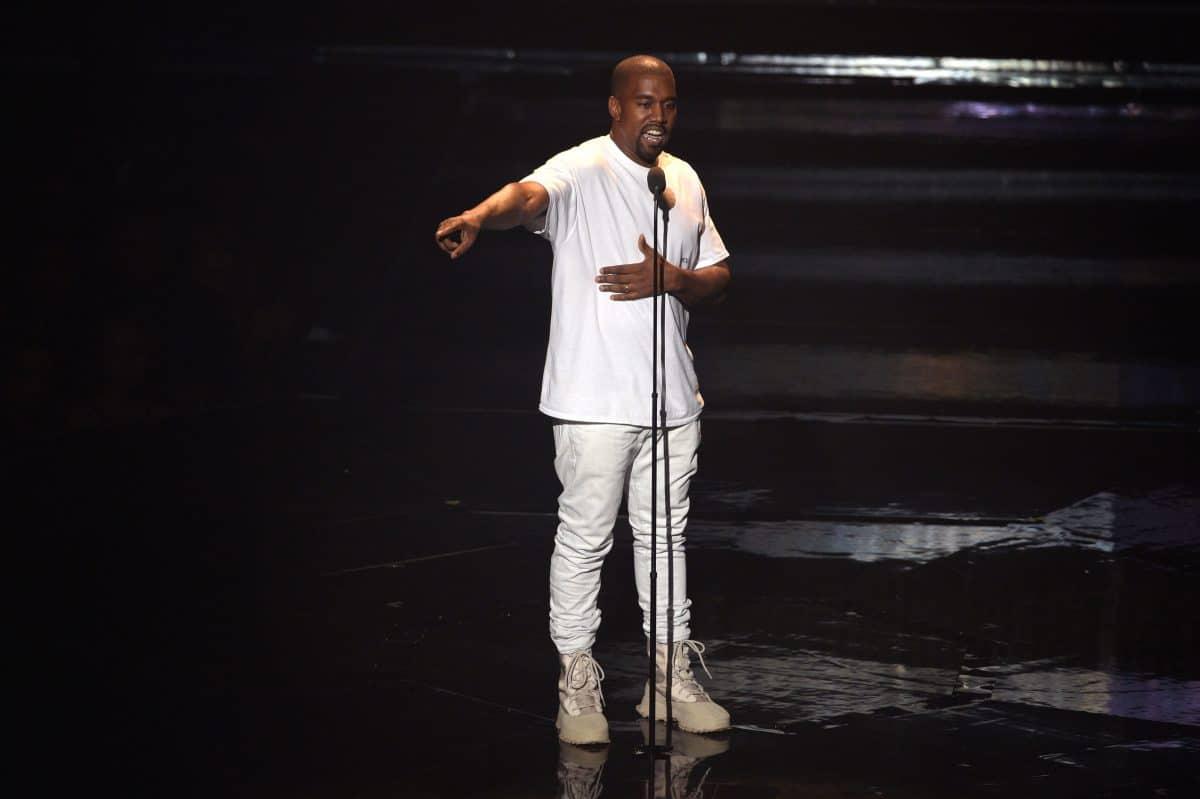 Kanye West bricht bei Album-Launch in Tränen aus, nachdem er Song über Kim Kardashian performte