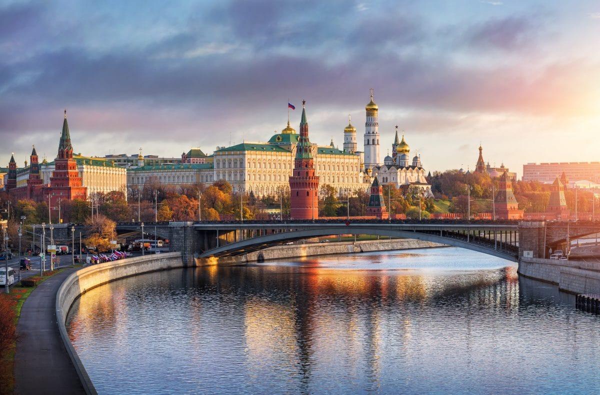 Russland: Werbung mit lesbischem Paar erntet homophoben Shitstorm