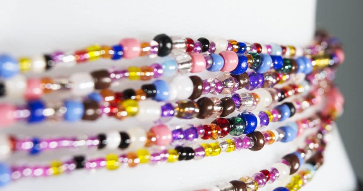 Trend Alert: Bunte Perlenketten sind zurück