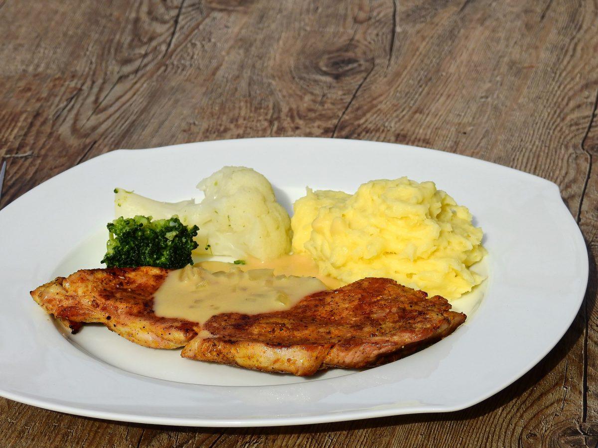 Butterschnitzel-Erdäpfelpüree-Bowl