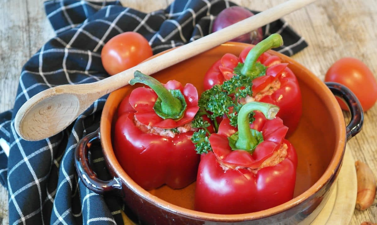 Gefüllte Paprika-Bowl mit Salzerdäpfeln