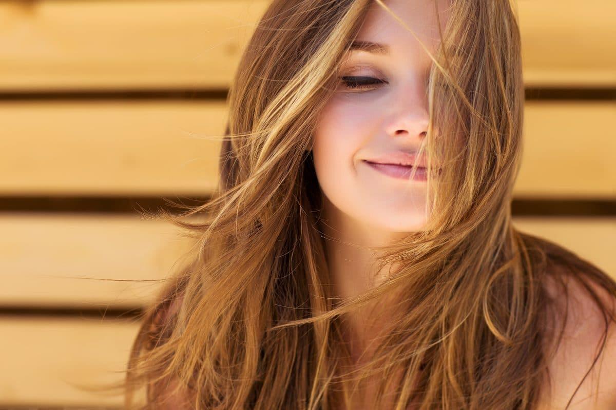 5 Tipps für Haare wie frisch vom Profi – ohne Frizz
