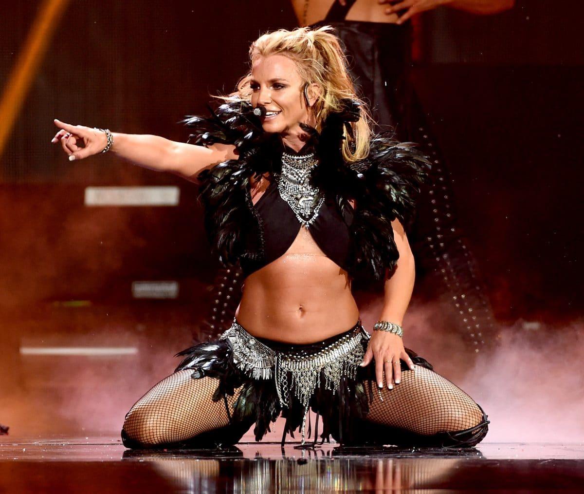 Britney Spears: Darum postet sie dauernd Oben-ohne-Bilder