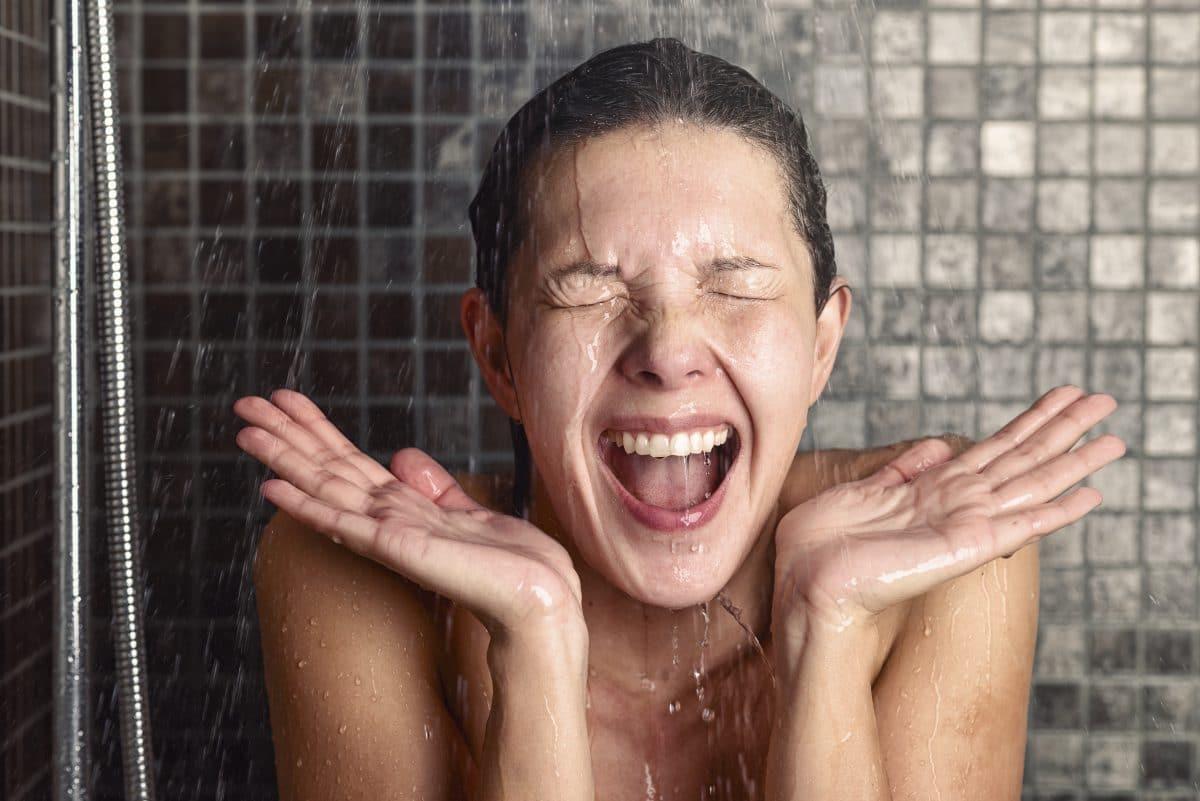 Duschgate: Warum erzählen Hollywoodstars von ihrer (fehlenden) Dusch-Routine?