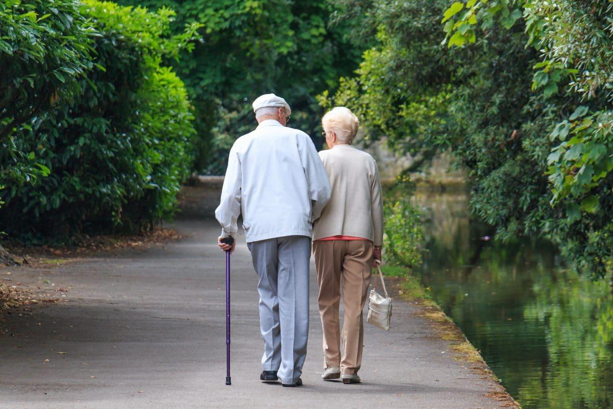 Studie zeigt: Frauen auch im hohen Alter stark benachteiligt