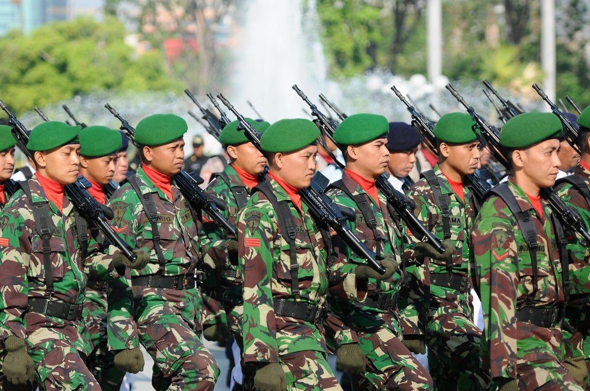 """Militärdienst in Indonesien: """"Jungfrauentest"""" als Voraussetzung für Frauen"""