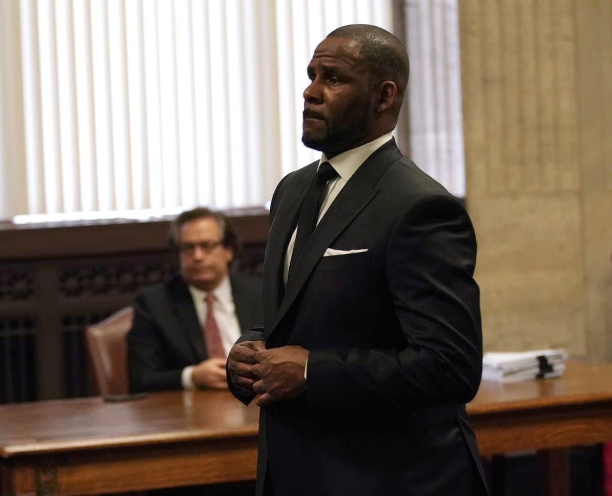 Erste Zeugin im R. Kelly Prozess erzählt von Missbrauch