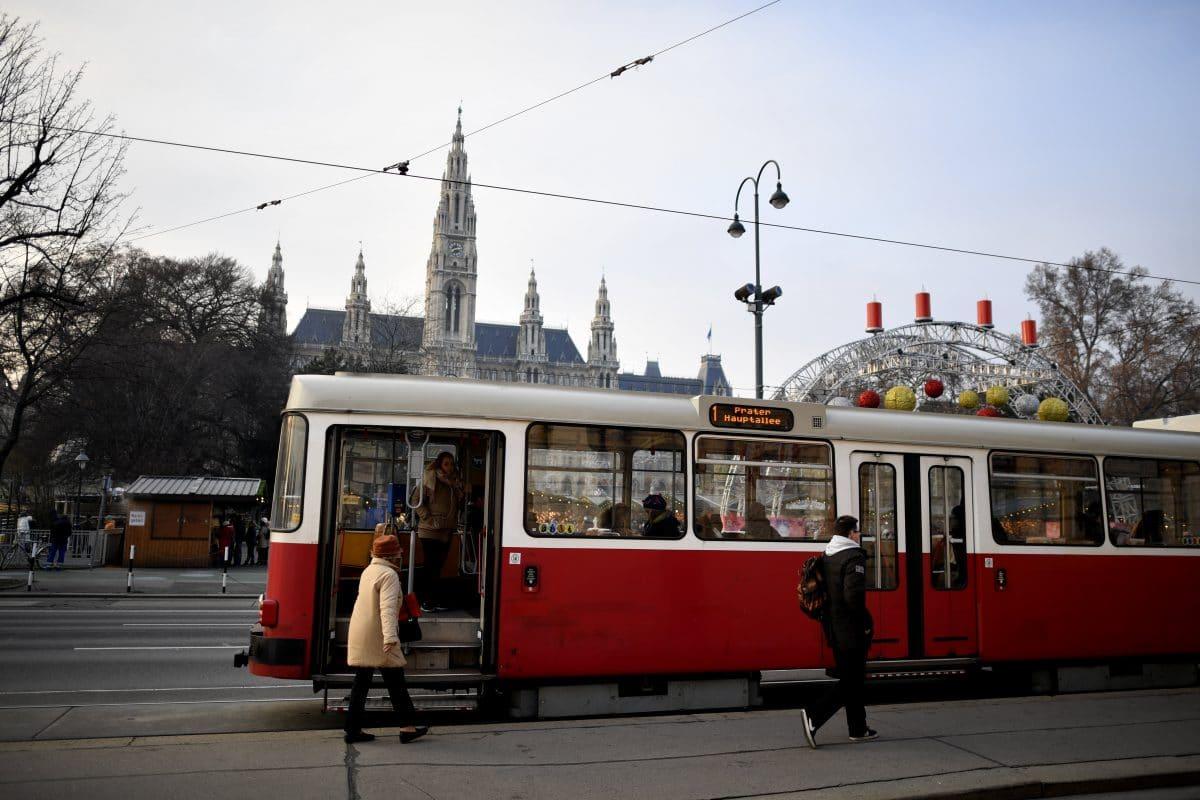 Wiener Linien: Fahrgäste sollen Pakete mit den Öffis transportieren