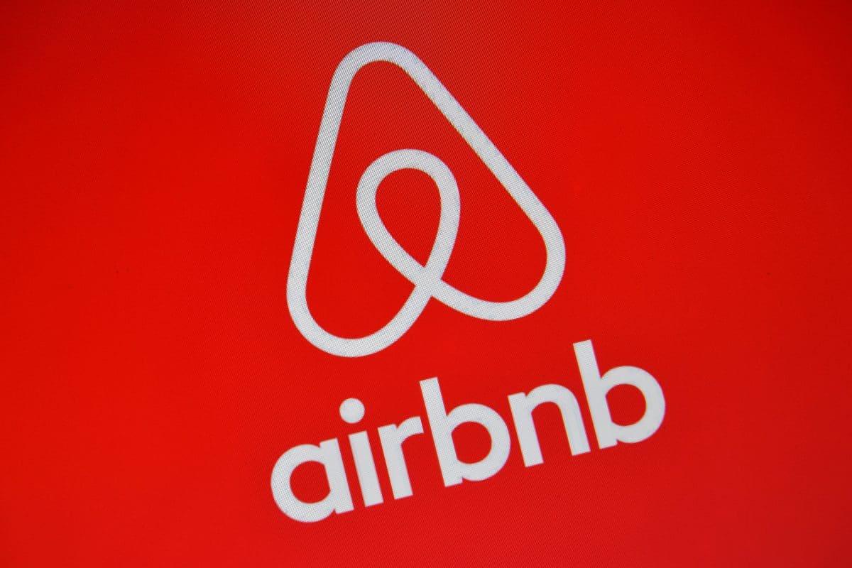 Airbnb stellt Unterkünfte für 20.000 afghanische Flüchtlinge zur Verfügung
