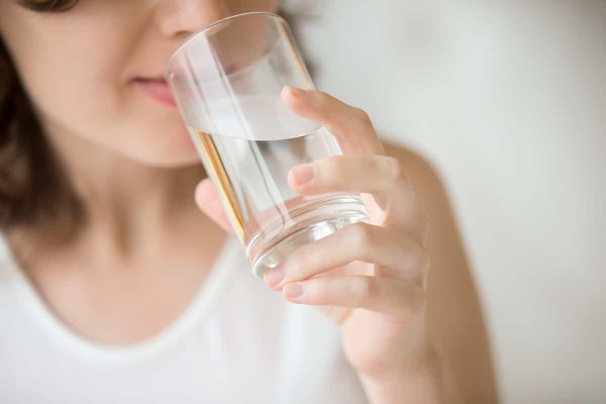 Japanische Wasserkur: Das steckt hinter dem TikTok-Trend