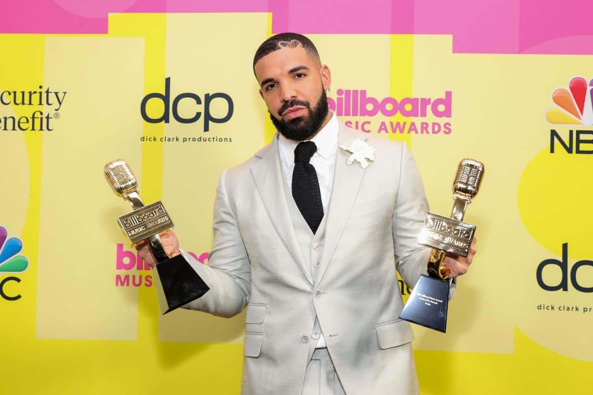 Drake: Laut Fans soll er eine Affäre mit verheirateter Kim Kardashian gehabt haben