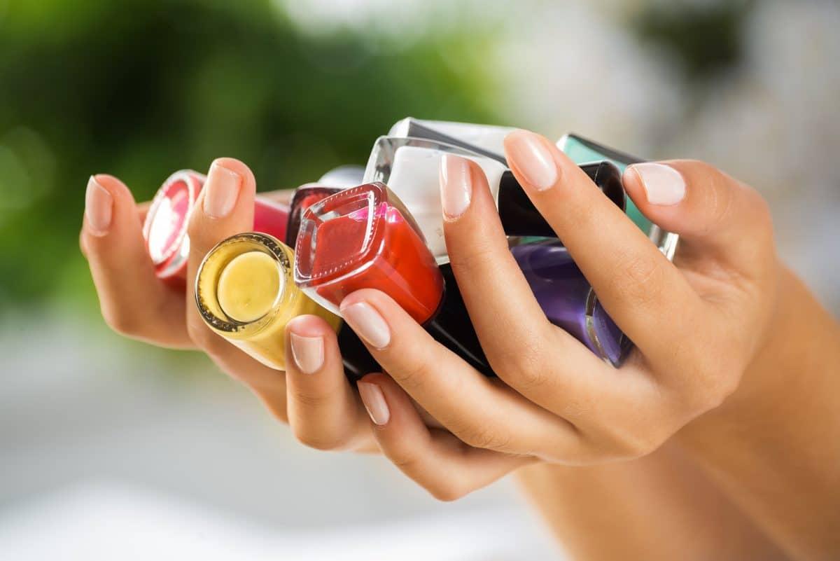 Nagellack schneller trocknen: Mit diesen 3 Tricks klappt's