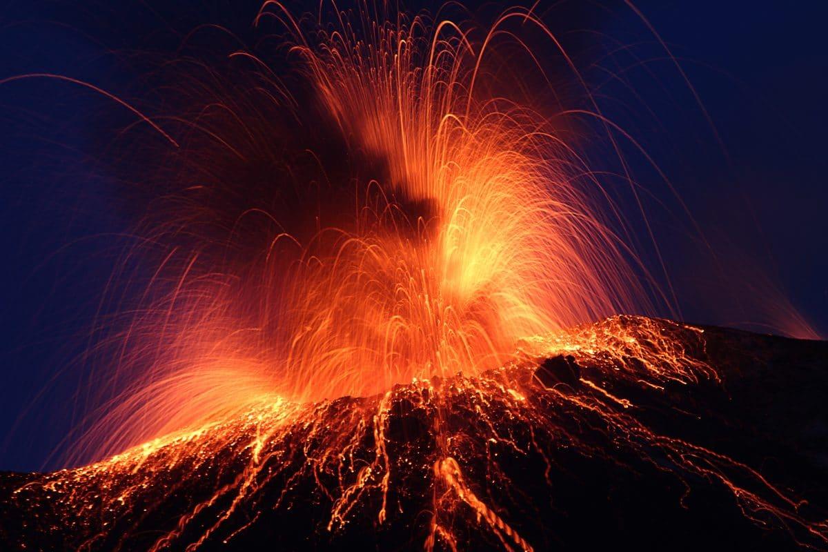 "Vulkan auf La Palma in ""explosiver Phase"": Flughafen ist gesperrt"