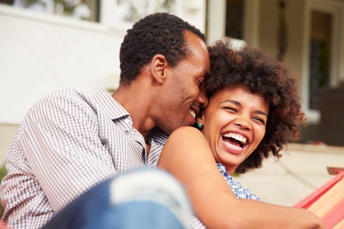 Wenn ihr über diese Dinge lachen könnt, hält eure Beziehung ewig
