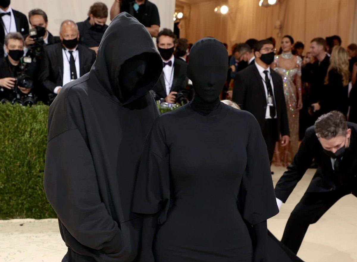 Kim Kardashian: Wer die geheimnisvolle Person an ihrer Seite bei der Met-Gala ist