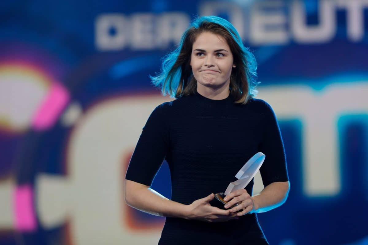 Fall Luke Mockridge: Hazel Brugger erklärt Grund für T-Shirt-Aktion bei Comedypreis