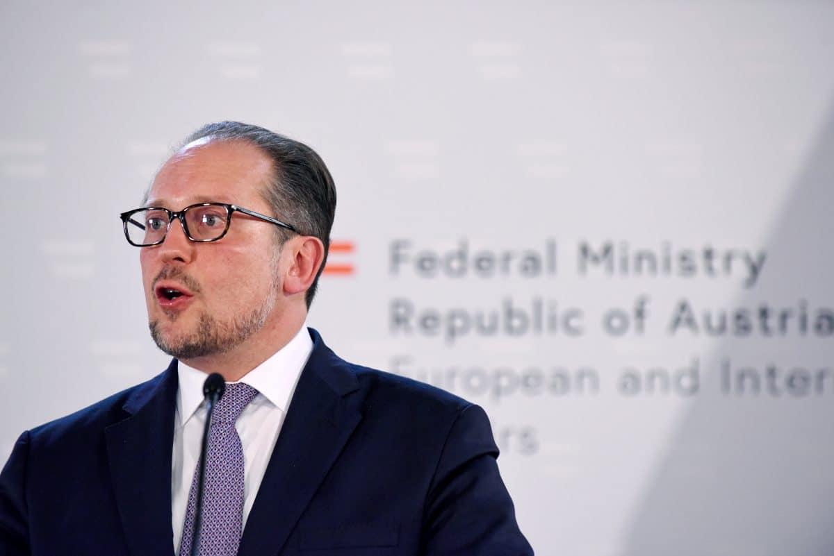 Heute: Doppelangelobung von Bundeskanzler und Außenminister