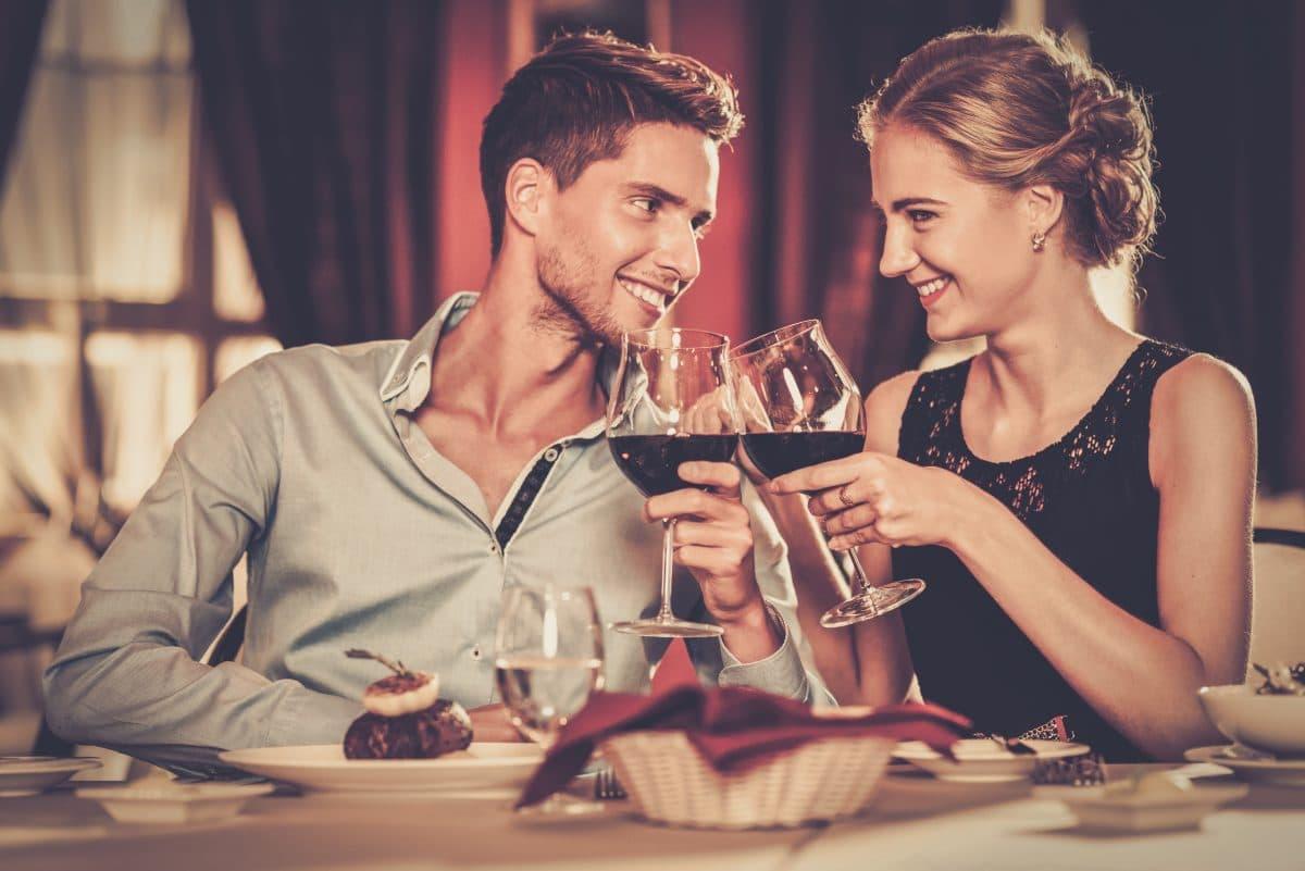 Studie zeigt: Frauen bevorzugen Männer, die weniger Alkohol trinken