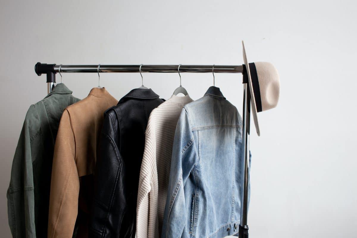 5 Pieces, die in jede Capsule Wardrobe gehören