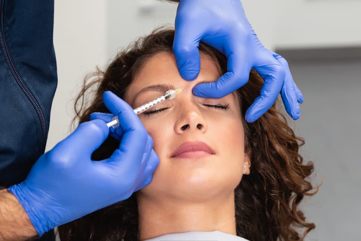 """Gesetz gegen """"Instagram-Gesicht"""": England verbietet Botox für Minderjährige"""
